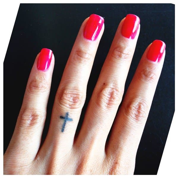Tattoo Designs Hand Ring: Finger Tattoos 101: Designs, Types, Meanings & Aftercare