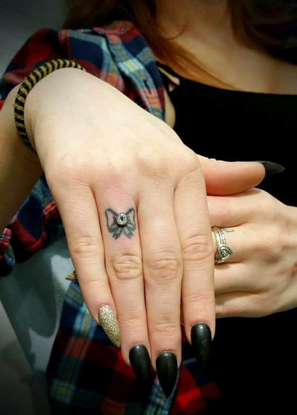Finger Tattoos 101: Designs, Types, Meanings & Aftercare ...