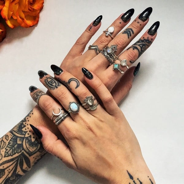 Tattoo Designs For Girls On Hand: Finger Tattoos 101: Designs, Types, Meanings & Aftercare