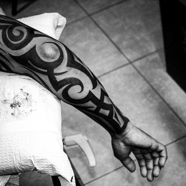 125 Tribal Tattoos For Men: With Meanings & Tips 22