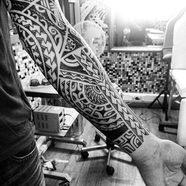125 Tribal Tattoos For Men: With Meanings & Tips 8