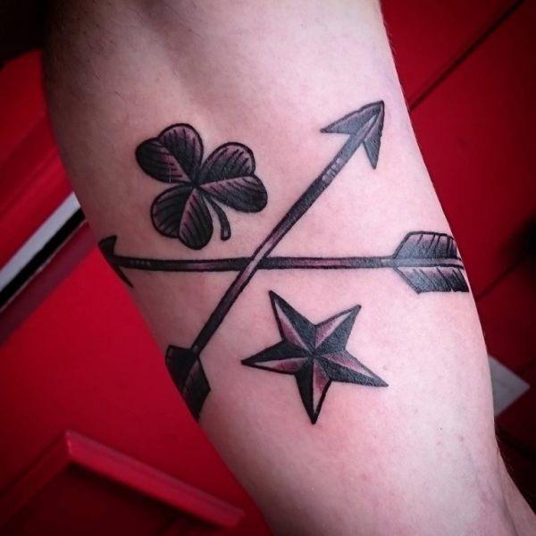 155 Cool Star Tattoos for Men & Women 128