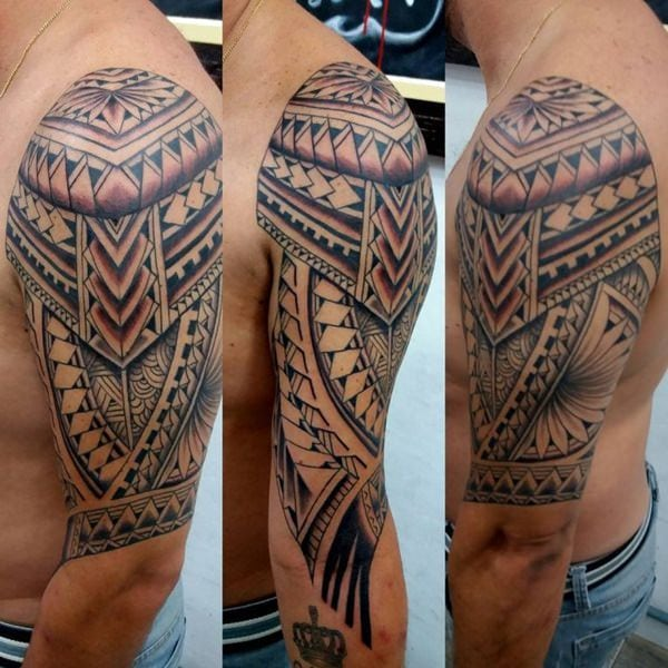 bcd17172e When he returned to Polynesia, Cook brought with him a native called Ma'i,  who introduced the concept of tattooing to English, and eventually, Europe.