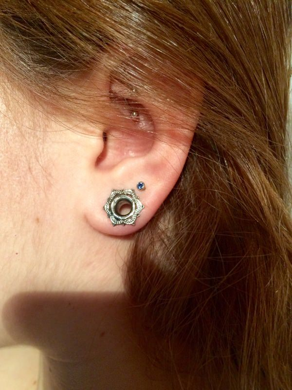 Rook Piercing: Pain, Price & Aftercare Tips (with 55 Examples ...