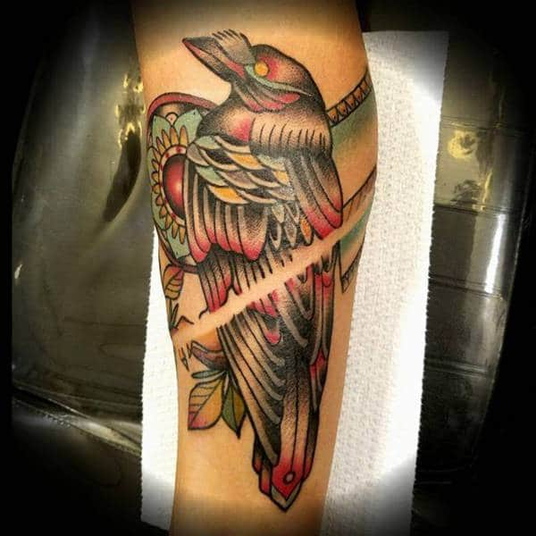 "crow-tattoos ""width ="" 600 ""height ="" 600 ""srcset ="" https://www.wildtattooart.com/wp-content/uploads/2018/03/crow-tattoos-110318169.jpg 600w, https: // www.wildtattooart.com/wp-content/uploads/2018/03/crow-tattoos-110318169-150x150.jpg 150w, https://www.wildtattooart.com/wp-content/uploads/2018/03/crow-tattoos -110318169-300x300.jpg 300w ""tamaños ="" (ancho máximo: 600px) 100vw, 600px ""/> <img loading="