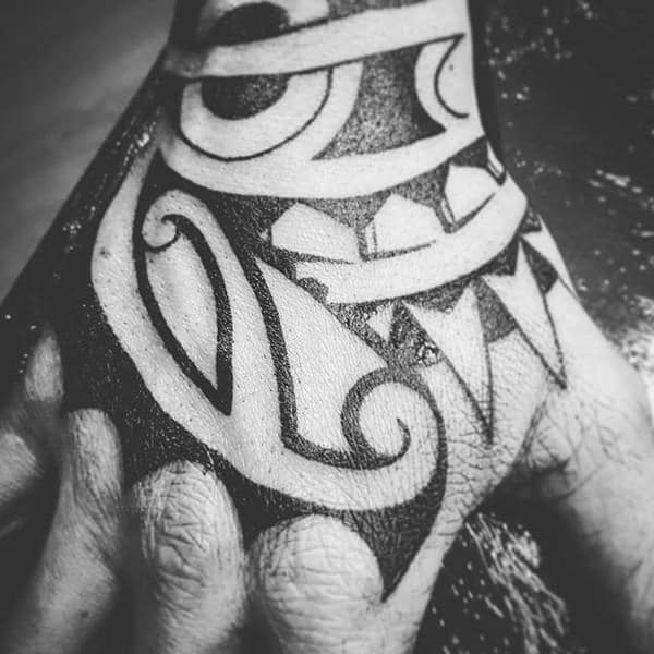 Small Maori Tattoo Finger: 125 Maori Tattoos: Tradition And Trend (with Meaning