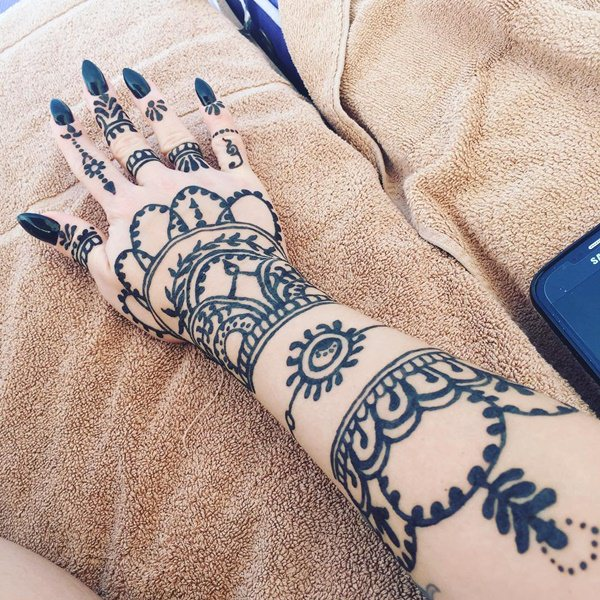 Henna Tattoos Everything You Need to Know [+100 Great