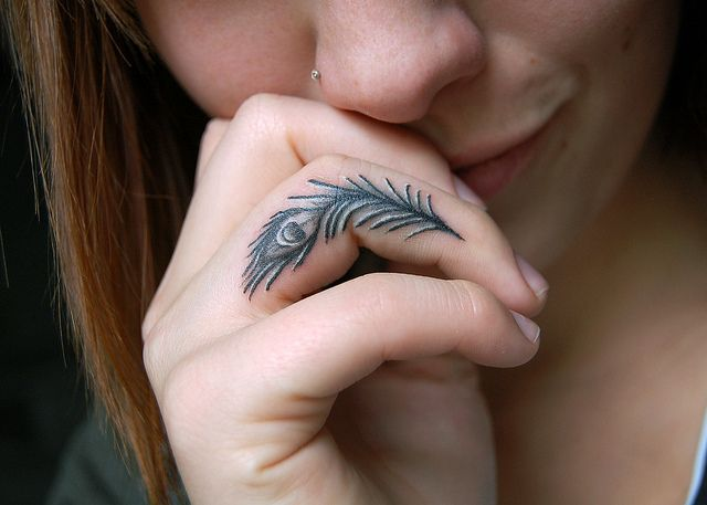 Printed Feather Finger Tattoo